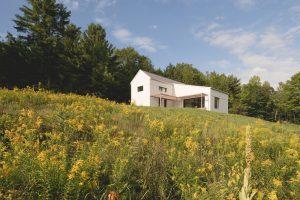 Pasívny dom pre štvorčlennú rodinu: Moderné bývanie s tradičnou formou