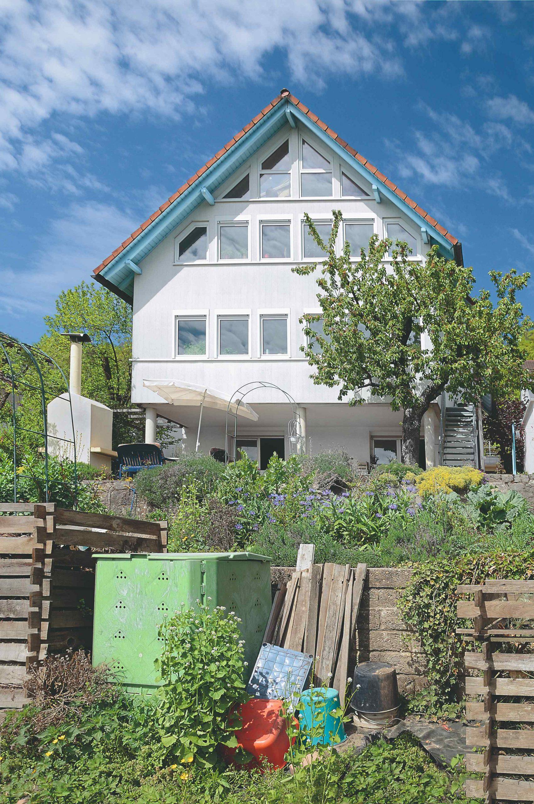 Kompostér pred domom