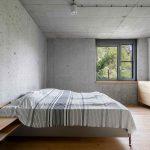 Spálňa v industriálnom štýle
