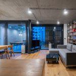 Obývačka s východom na presklenú terasu
