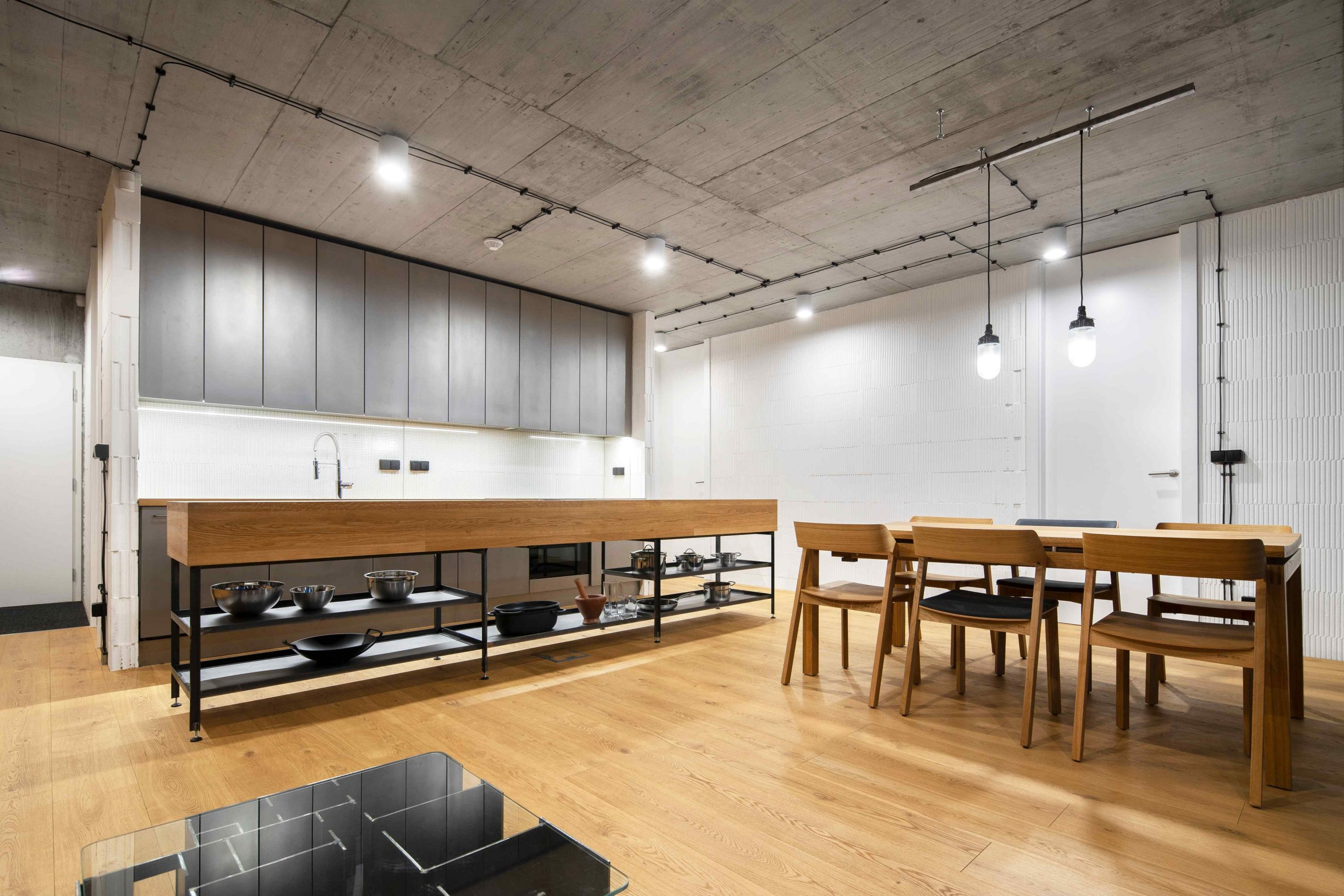 Kuchyňa s jedálňou v industriálnom štýle