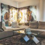 Sklenené obrazy v obývačke