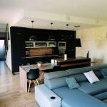 Kuchyňa s otvorenou obývačkou