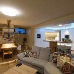 Kuchyňa spojená s obývačkou a jedálňou