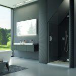 Tmavá moderná kúpeľňa so sprchovacím kútom