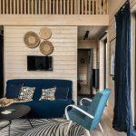 Africký dekor v obývačke stodoly