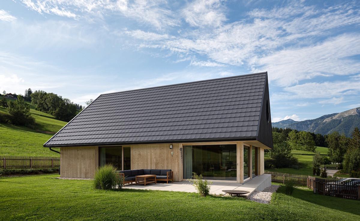 Rodinný dom s krytinou od prestížneho štúdia F.A.Porsche
