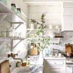 Vidiecka kuchyňa v bielej