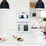 Biela kuchyňa do U v malom byte