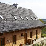 Drevenica s novou strechou so zachytávačmi