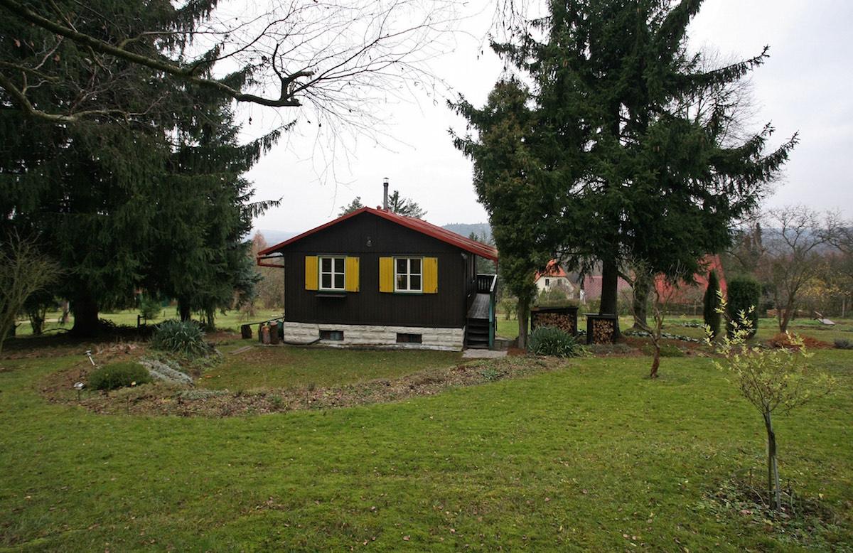 Pôvodná chata so záhradou