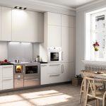 Kuchynský sporák na tuhé palivo v modernej kuchyni